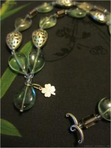 Модификация ожерелья полькиБабочки http://pryahi.com/product/schastlivyj-trilistnik-ozherele-iz-fljuorita/